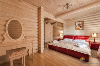 4-местный коттедж VIP - в спальне..jpg