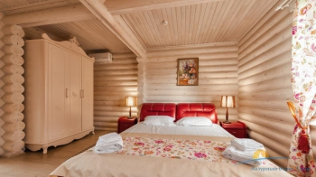 4-местный коттедж VIP - в спальне.jpg