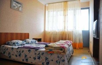 4-мест 3-комн Люкс Евро апартамент - спальня2.jpg