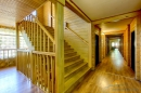 Холл, лестница