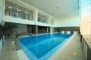 Крытый бассейн в отеле