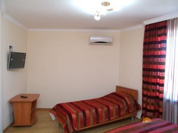3-местный 1-комнатный номер Стандарт интерьер.jpg