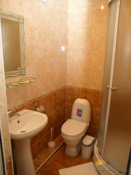 2-местный 2-комнатный номер Семейный санузел.jpg