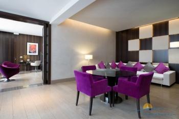 2-комнатный Sea View Suite Terrace - обеденная зона и гостиная.jpg