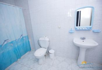 2-местный 2-комнатный номер повышенной комфортности санузел.jpg