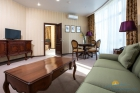 Апартамент гостиная и вход в спальню
