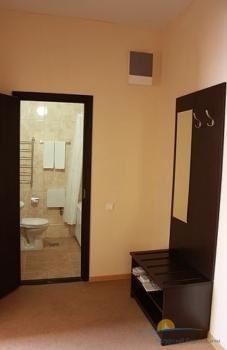 2-мест 2-комнатные Апартаменты с кухней - прихожая.jpg