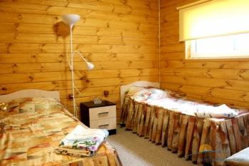 5-местный апартамент 2-спальный. Спальня 1.JPG