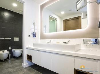 8-местная 3-этажная вилла ванная комната.jpg
