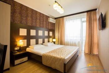 2-местный 2-комнатный номер Suite 6 эт - спальня..JPG