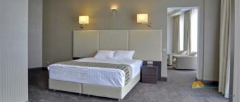 спальня в 2-местном 2-комнатном Люкс Luxury.jpg