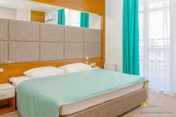 2-мест 2-комн Suite Terrasa - спальня.jpg