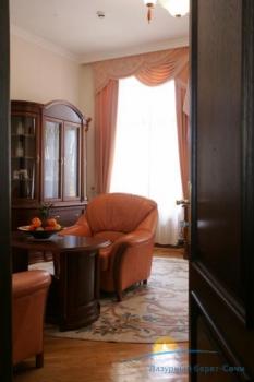 люкс гостиная главный корпус..jpg