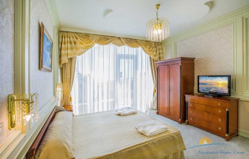2-мест 3-комн Апартаменты №803 - спальня.jpg