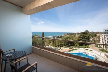 2-местный Swiss Advantage room Sea View room - балкон.jpg