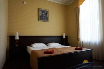 2-мест 3-комн Апартаменты корп 5 - спальня.jpg