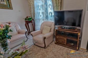 2-мест 3-комн Апартамент  - в гостиной мебель.jpg